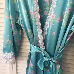 [Oscar de la Renta] Vintage 80s Silky Robe